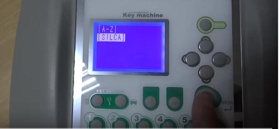 V8-X6-Key-Cutting-Machine-3