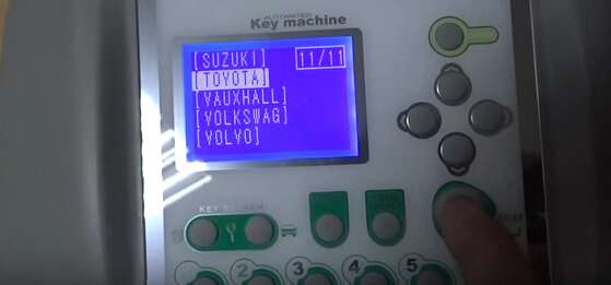 V8-X6-Key-Cutting-Machine-4