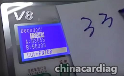 v8-x6-key-cutting-machine-cut-TOY48-key-blank-6