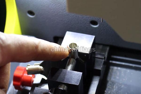 tubular-key-cutting-sec-e9-key-machine-27
