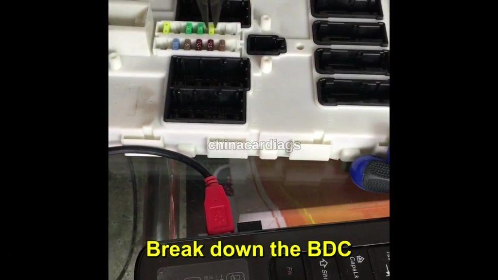 3-How-to-use-VVDI2-and-VVDI-Prog-to-program-BMW-BDC-system-with-all-the-keys-lost