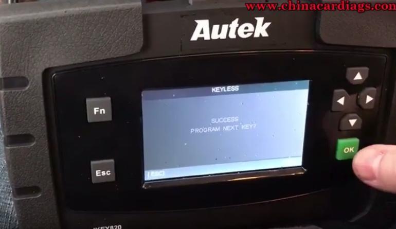 15-Autek-Ikey820-program-new-key