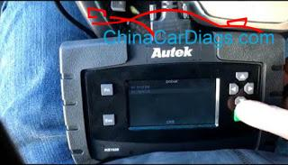 2-Use-Autek-iKey820-Program-Keys-for-Dodge-Ram-2009