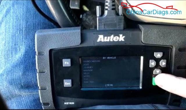 3-Use-Autek-iKey820-Program-Keys-for-Dodge-Ram-2009