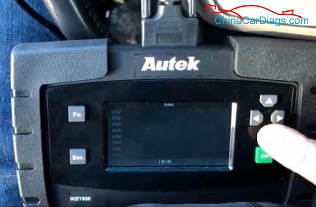 4-Use-Autek-iKey820-Program-Keys-for-Dodge-Ram-2009